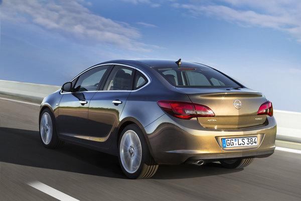 Opel представил новую Astra седан