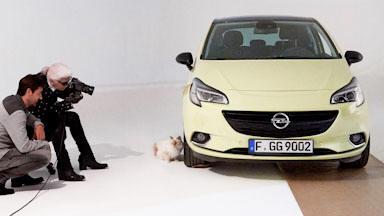 В неформальной обстановке с Opel Corsa, Карл Лагерфельд и супермодель Choupette