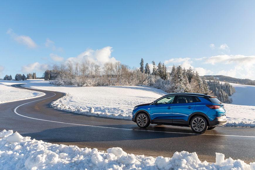 Курс на холмы: Электромобили Opel сильны в горных районах